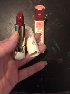 Too faced peach kiss in stop traffic