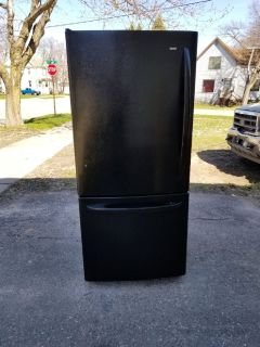Kenmore Black refrigerator / ice maker