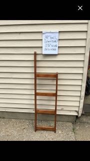 Cute little ladder for decor towel or blanket use Pickup Marquette Hts only Unable to meet