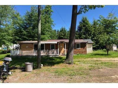 2 Bed 2 Bath Preforeclosure Property in Derry, NH 03038 - Chases Grove Rd