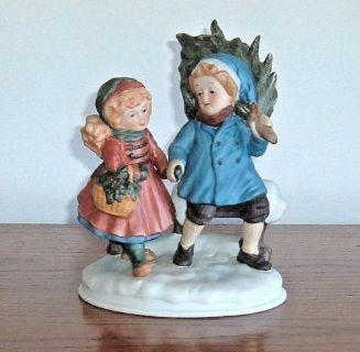 Vintage 1981 Avon First Edition Christmas Memories Sharing The Spirit Figurine