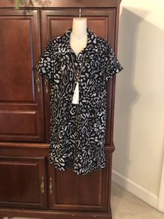15.00 size 3 Zenergy by Chicos black & white leopard print dress from Chicos Zynergy line is the perfect addition to your closet