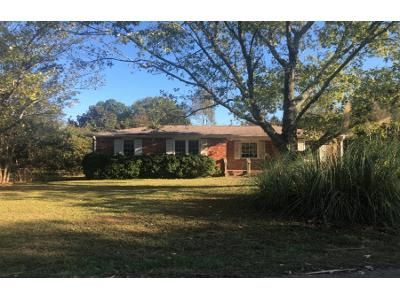 3 Bed 1.5 Bath Foreclosure Property in Anderson, SC 29624 - Woodmont Cir