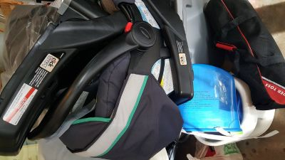 Graco Car seat and 2 bases (click connect)