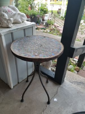 Cute small metal table