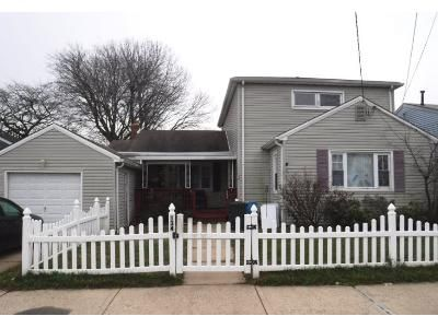 5 Bed 2 Bath Preforeclosure Property in Keansburg, NJ 07734 - Maple Ave