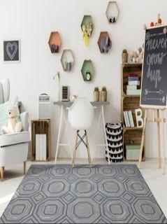 Hand-knotted woollen rug manufacturer