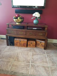 """LIKE NEW TV STAND 50"""" WIDE"""
