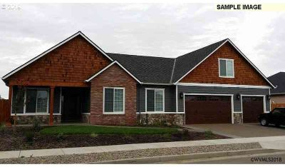 North Oak (lot 11) Albany Three BR, Custom built home by