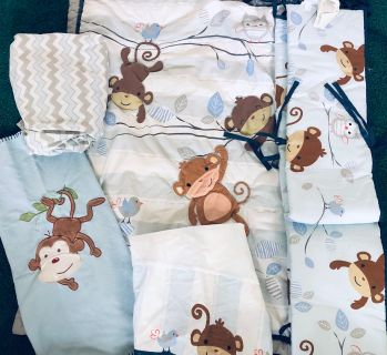 5 piece Monkey crib bedding set Great Condition