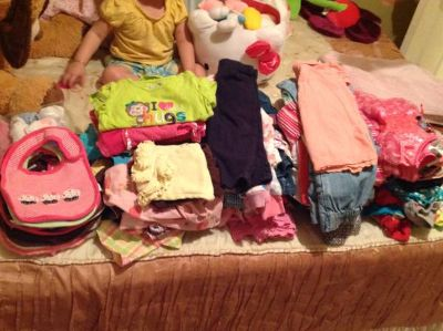 Baby girl clothes 163 pieces great condition  (Brownsville)