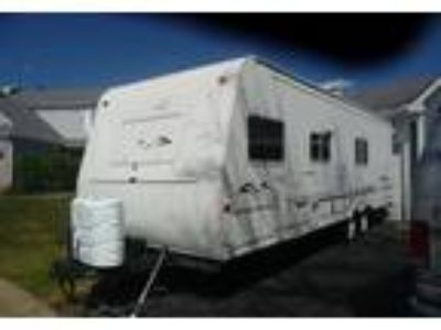 2002 Keystone RV Bobcat Travel Trailer in St Charles, IL