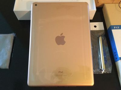 Apple iPad 6th generation rose gold with Bluetooth keyboard