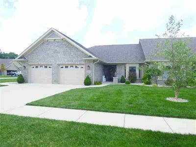 4944 Sanibel Drive Columbus, Absolutely beautiful Three BR Two BA