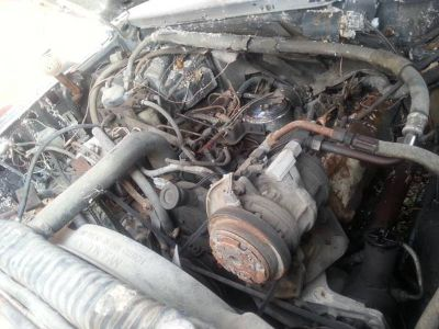 1990 Ford 350 Diesel Motor and Manual Transmissio good cond.Espano