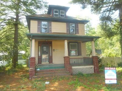 3 Bed 2 Bath Foreclosure Property in Egg Harbor City, NJ 08215 - White Horse Pike