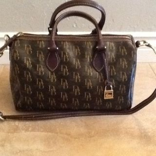 "Authentic ""Dooney and Bourke"" Leather Purse... (Brand New)"