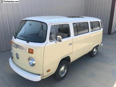 1973 VW Bus, Factory Sunroof, Rust-Free and Solid!