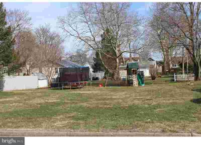 0 Francis Dr Pennsville, Build your dream home on this large