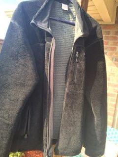 $135 XL Patagonia R4 - Black