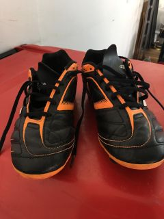 Adidas soccer shoes size 11