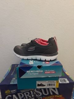 New ladies skechers