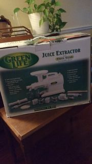 Top-Quality Raw Food Juice Extractor - make your own pasta and peanut butter! Green Life / Green Star