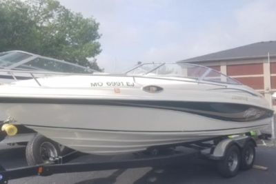 1997 Rinker 232 Captiva Cuddy