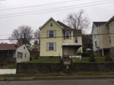 3 Bed 2 Bath Foreclosure Property in Youngwood, PA 15697 - S 4th St