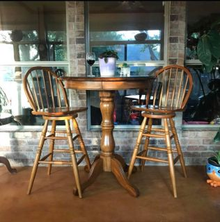 Beautiful Wood Pub Table & Matching Chairs. Glass Top. Perfect For Game Room or Sunroom.