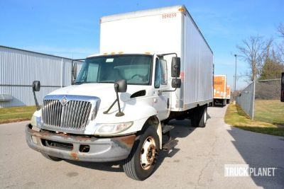 2004 International 4200 Cargo Truck