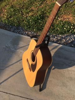 Seagull acoustic guitar S6 spruce