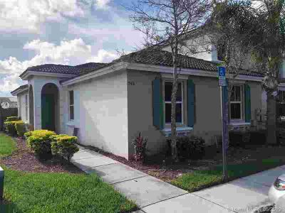946 NE 42 Ter - Homestead Three BR, Great townhouse located at
