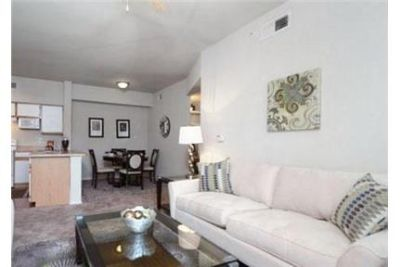 2 bedrooms Apartment - Nestled within the serene foliage and rolling hills of Cedar Hill. Pet OK!