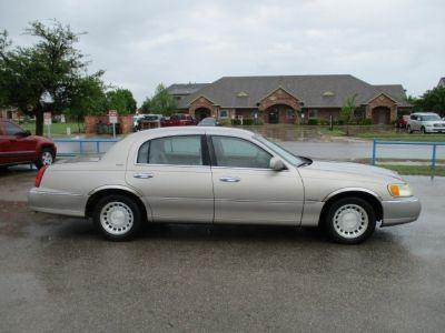 2002 Lincoln Town Car 4dr Sdn Executive