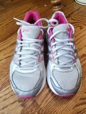 Womens size 6.5 Asics running shoes. Only worn a few times. Great condition!