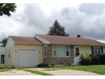 2 Bed 1 Bath Foreclosure Property in Burlington, IA 52601 - Pkwy Dr