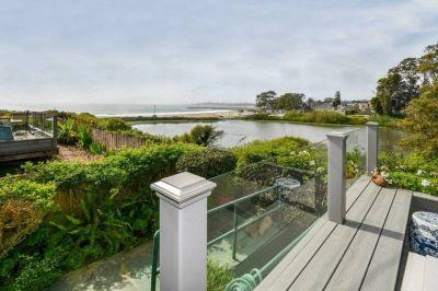 $5100 2 single-family home in Santa Cruz