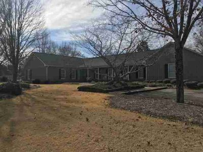 105 Cedar Lake Ct. Greenwood Four BR, This spectacular home is