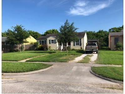 2 Bed 1 Bath Foreclosure Property in Corpus Christi, TX 78408 - Hampshire Rd