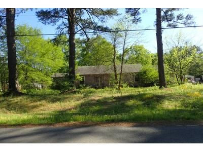 2.0 Bath Preforeclosure Property in Waldo, AR 71770 - E Dogwood St