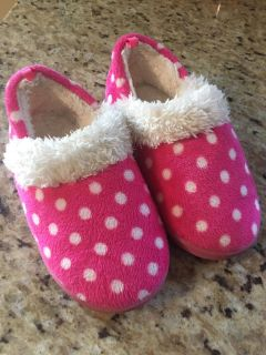 Toddler girls size 9/10 pink slippers with hard bottom. Great shape
