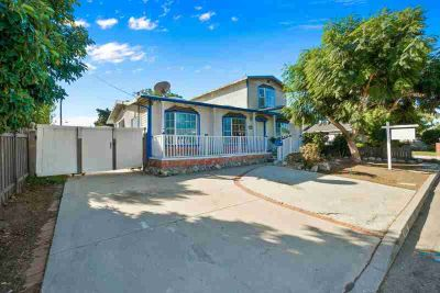 6882 Norton Avenue Ventura, Potential abounds on this