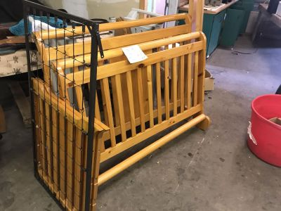 Crib that converts to Twin Bed