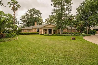 $790,000, 4br, Make your dream a reality..Custom home on 1.06 acres wgorgeous pool in sought after Audubon Place