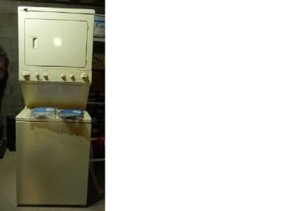 "27"" Kenmore stacked Washer/Dryer"