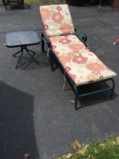 Patio Lounge Chair and Side Table