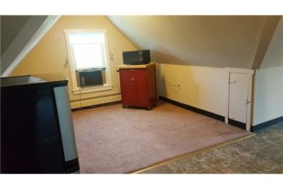 Quaint 2 Bedroom 1 Bathroom 3rd floor apartment in Elkton, MD