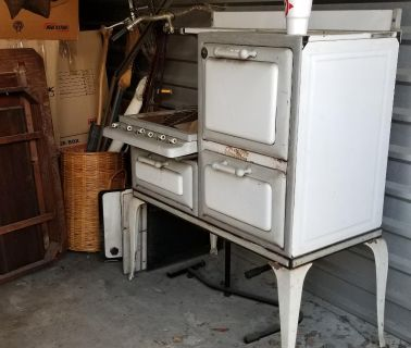 Antique Gas Stove/Oven/Warming drawer