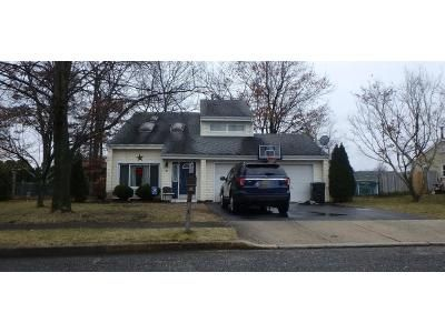 3 Bed 1.5 Bath Preforeclosure Property in Howell, NJ 07731 - Digger St